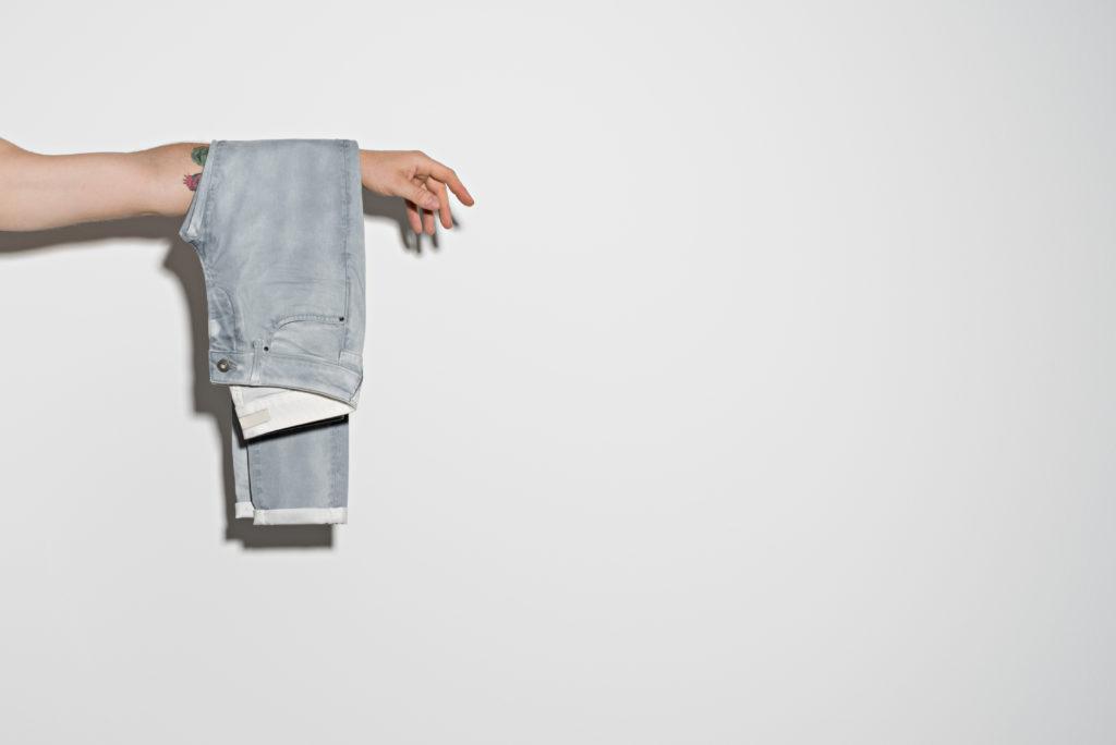 fotografia-di-moda-pantalone-uomo